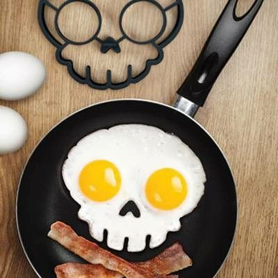 Skull mold for fried eggs for Halloween day