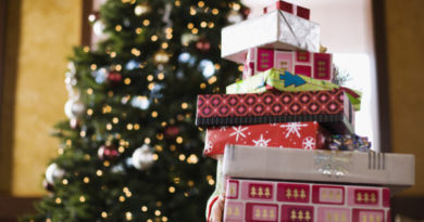 How many gifts should a child receive at Christmas